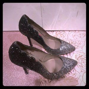 Betsey Johnson glitter sz 6 black silver heels